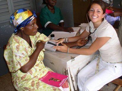 student volunteers abroad