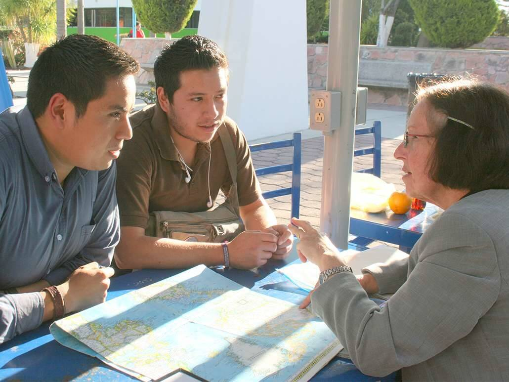 teach English to Mexican students