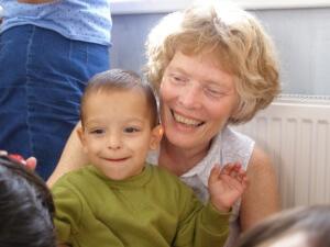 ROM0810A1 Marcia Potvin and child Iulian 2
