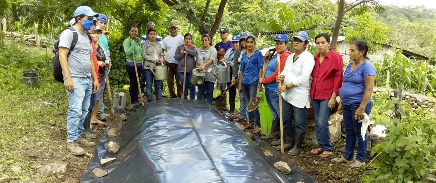 Esperança works with rural communities in Nicaragua to provide land grants and agricultural education to improve the sustainability of small farmers in the region.